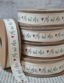 Kartonnen spoel met lint. Mr & Mrs, crème/grijs/rood