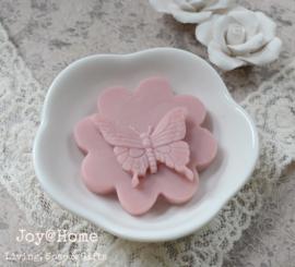 Zeepschaaltje met zeepbloem/vlinder