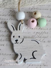 Houten konijn hanger met kraal