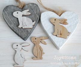 Houten hartje met konijntje