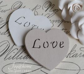 Houten hartjes Love
