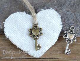 Canvas hartje met bedel sleuteltje