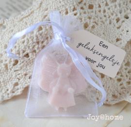 Organza zakje,  zeep engel & label Een geluksengeltje voor jou