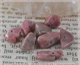 Kralen glas chips, Rhodonite