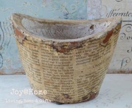 Pot keramiek oude kranten