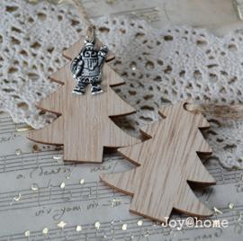Kerstboom met kerstbedeltje naar keuze