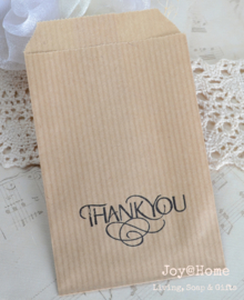 Papieren kraft cadeauzakje bruin of wit met stempel, keuze uit 19