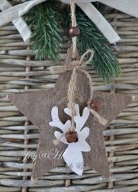 Bruin houten ster met belletjes & rendier