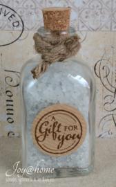Flesje met badzout & kraft sticker naar keuze