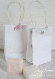 Tasjes met een splitpen en zeepje, keuze uit 2
