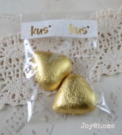 Zakje met chocolade hartjes & tape