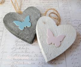 Houten hartje met vlinder in 4 kleuren