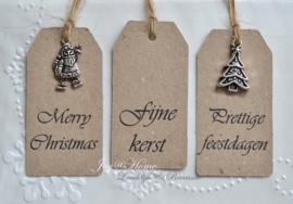 Kerst label met of zonder bedel, in vele kleuren