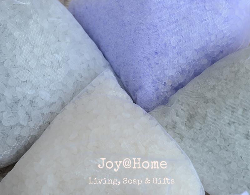 Organzakje met badzout, label eigen tekst in diverse kleuren