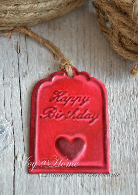 Label zink rood, Happy birthday