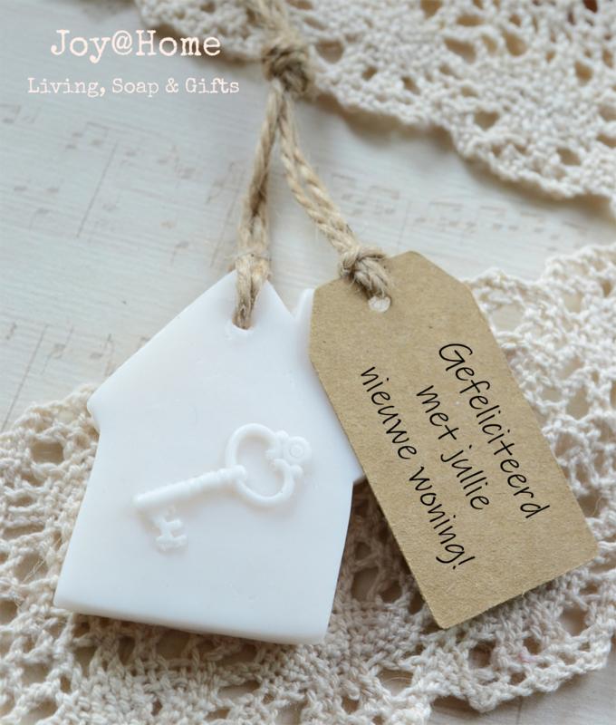 Zeep huisje met sleutel & label met eigen tekst
