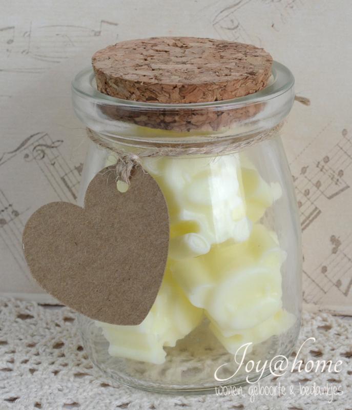 Glazen potje met zeepjes & label eigen tekst naar keuze