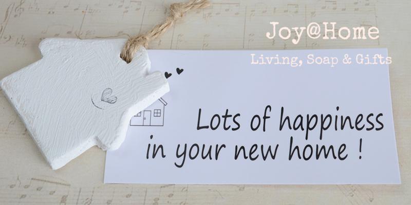 Huisje steen met kaartje happiness new home