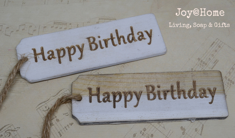 Houten labels Happy Birthday