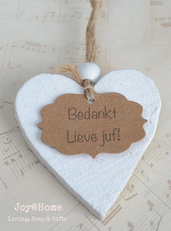 Houten hartje & label Bedankt lieve juf
