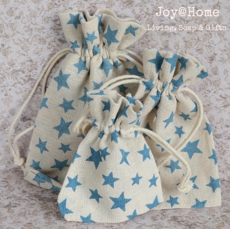 Zakje linnen met blauwe sterren