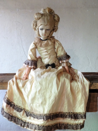 Antique sofadoll