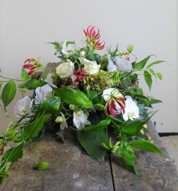 Afscheidsbloemstuk Orchidee / Gloriosa