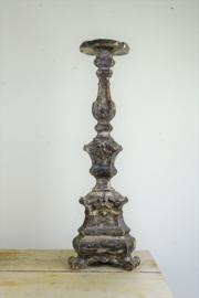 18e eeuwse houten kerkkandelaar
