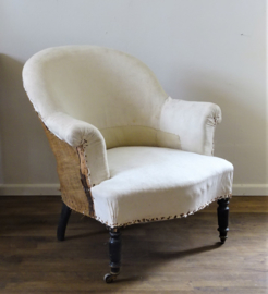 Fauteuil / Armchair in old linen fabric
