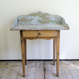Commode tafel / Side table