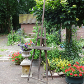 Large wooden painters easel
