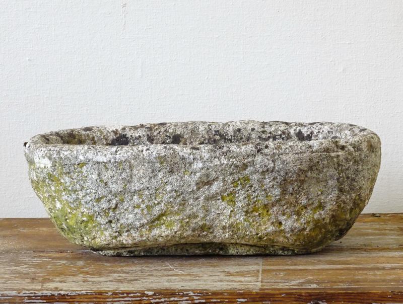 Stenen trog