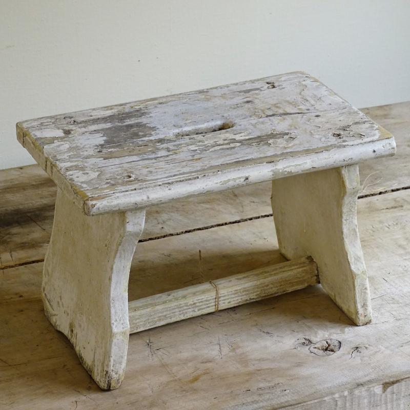 Oude houten opstap
