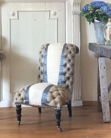 Gecapitonneerde dames fauteuil