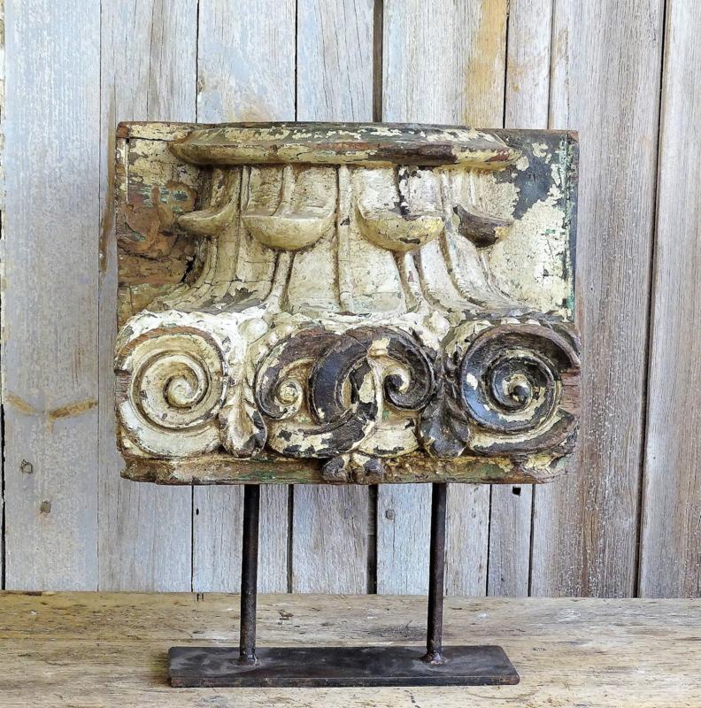 18e eeuwse houten kandelaar / ornament