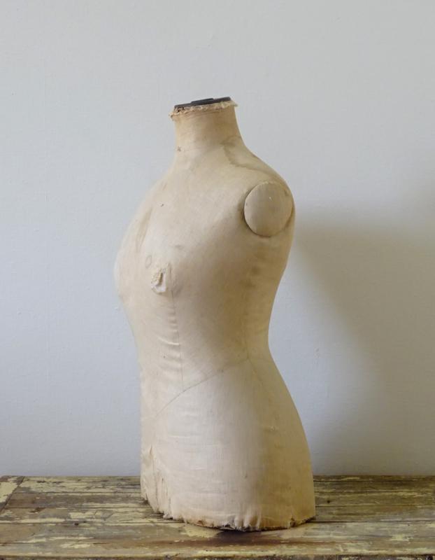 Shabby buste