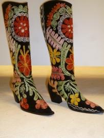"""Geborduurde laarzen """" By CICK """" Suzani-maat 36. Verkocht."""