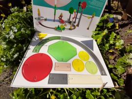 Happy Geo van Kidsonroof, 56-delige bouwplaat van gereclyed karton.