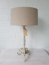 Lamp met ijzeren ecru lampvoet vintage en ronde linnen kap. Gert Snel.