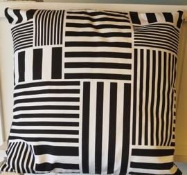 Kussen retro van Klippan 40 x 40 cm zwart wit cotton