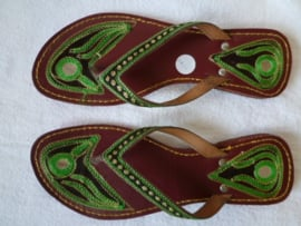 Slippers uit India.