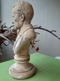 Hugo Beeld Vintage Hoogte 25 cm Breedte 15 cm
