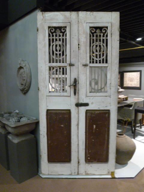 Franse  deur van Aura Peeperkorn.