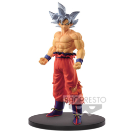 BANPRESTO Dragon Ball Super Son Goku Ultra Instinct figure - 19cm