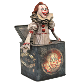 It Pennywise in Box Chapter 2 diorama figure - 23cm