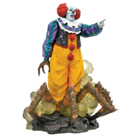 It 1990 Pennywise diorama figure - 23cm