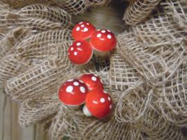setje van 3 paddenstoelen op steker