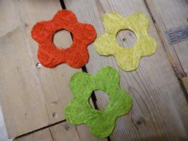 sisal bloem rood/geel/groen 15 cm
