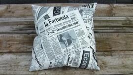 kussen krantenlook 50x50 cm