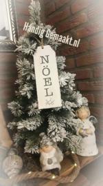 kunst kerstboom met sneeuw